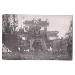 Carte photo (60) MILITAIRE - Descente d'un Char Militaire
