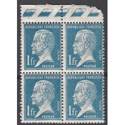BLOC DE 4 TIMBRES N°179 1f. bleu PASTEUR NEUF** BORD DE FEUILLE