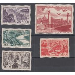 TIMBRES POSTE AERIENNE N°24 à 28 NEUFS 1949 Côte 76 Euros