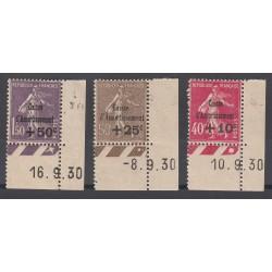 TIMBRES N° 266 à 268 Coins de feuille Côte 420 Euros TIMBRES NEUFS**