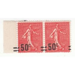Bloc de 2 TIMBRES N°220 AVEC SURCHARGES DECALLEES NEUFS SIGNE Côte 50 EUROS