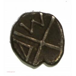 GAULOISE - Imitation Obole de Marseille -  tête à gauche, cheveux tirés en arrière