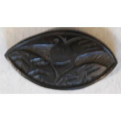 CAMEROUN - Jeton Abia gravé sur une graine de l arbre adzap
