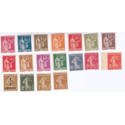 TIMBRES ANNEE COMPLETE 1932 N°277A à N°289 NEUFS** N°287 Signé et manque N°279B COTE 335 Euros l'Art des Gents