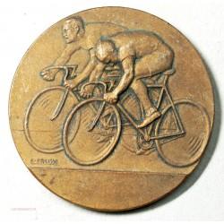 Médaille  de cycliste  par F. FRAISSE (2) lartdesgents.fr Avignon