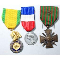 """Médailles """"1914-1918, valeur et discipline + travail (attribuée)"""", lartdesgents.fr Avignon"""