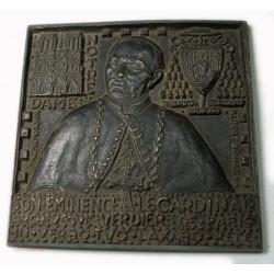 Rare Médaille plaque carré uniface Cardinal Verdier Notre Dame Paris 1939