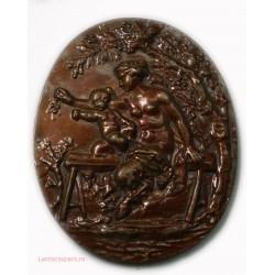 medaille ovale femme nue , lartdesgents.fr