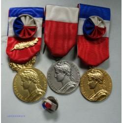 Médaille d'honneur du travail avec rosette + pucelle Superbe, lartdesgents.fr