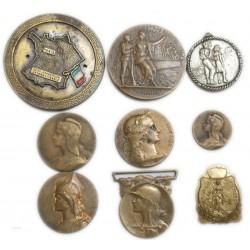 lot de 9 Médailles à voir... (2) lartdesgents Avignon