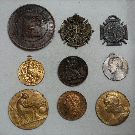 lot de 9 Médailles à voir... (4) lartdesgents Avignon