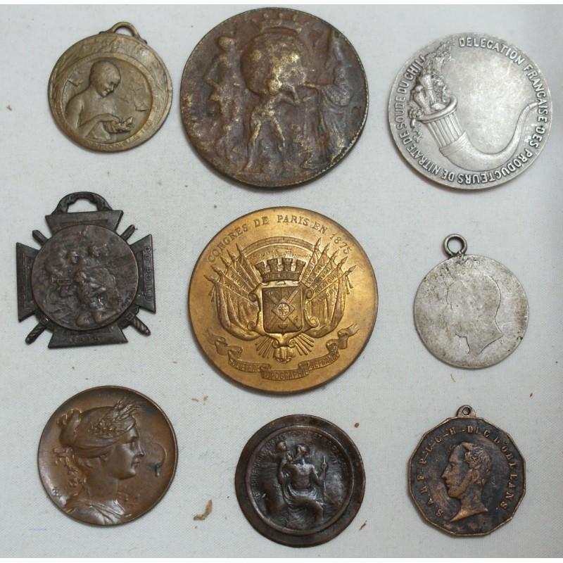 Lot de 9 Médailles à voir... (6) lartdesgents Avignon