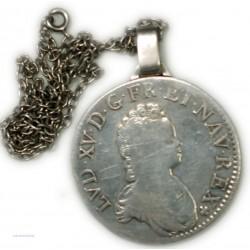Ecu LOUIS XV Vertugadin  1717 A Paris Monté avec chaine argent